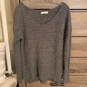 Abercrombie & Fitch V-Neck Long Sleeve Sweater